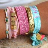 Bracelet tissé good vibes only rose_