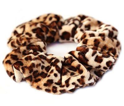 Chouchou en velours léopard marron