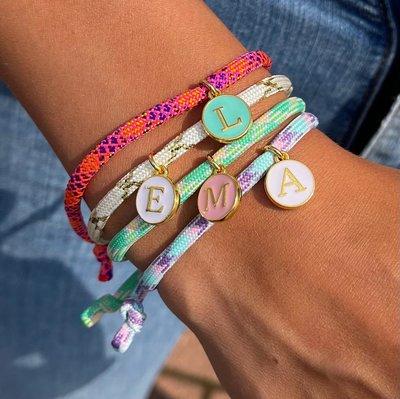 Bracelet initial - choix de couleur personnalisé