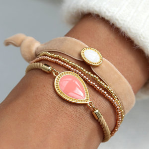SET - Classy coral